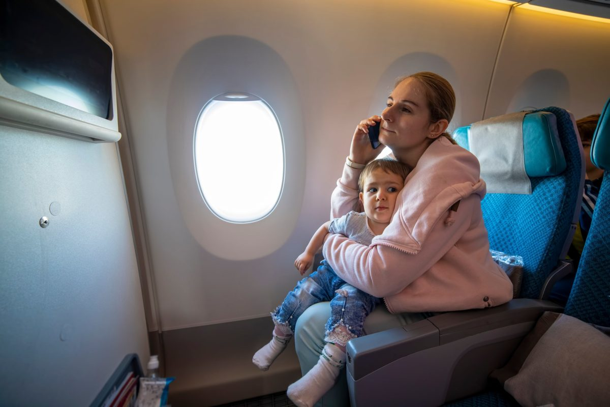 Mother Kicked Off Flight After 2-Year-Old Refuses Mask