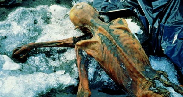Ötzi the Iceman up-close at the place of finding